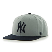 MLB New York Yankees Sure Shot Two Tone Captain Wool Adjustable Hat, One Size, Gray