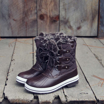 The Snowy Pines Snow Boots in Brown