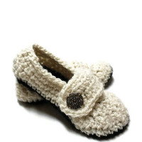 Women's Cozy House Slippers sizes 310Great for by makinitmama