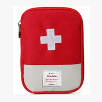 Portable First Aid Kit Pouch Outdoor First Aid Survival Tool Carry Pockets Survival Medical Emergency Tool Bag