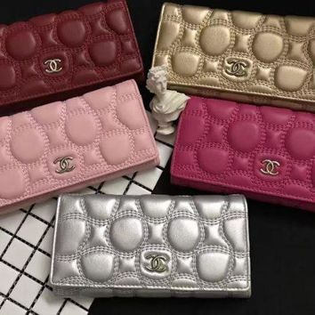 Chanel 2017 Noble Fashion Bubble Leather Wallet [99383509007]