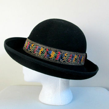 Black Bowler Hat Tapestry Band / Vintage 1980s Betmar Derby