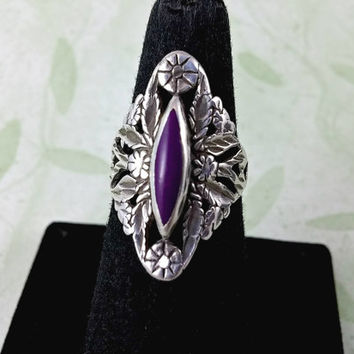 Vintage Purple Stone Sterling Silver Ring Sugilite Stone In Ornate Diamond Shape Pretty Setting Size 6 Very Good Condition