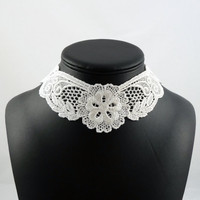 White Lace Collar Choker Necklace with Flowers  Elegant by Arthlin