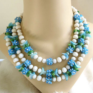 Vintage Molded White and Blue Plastic Flower Necklace – 3 Strand