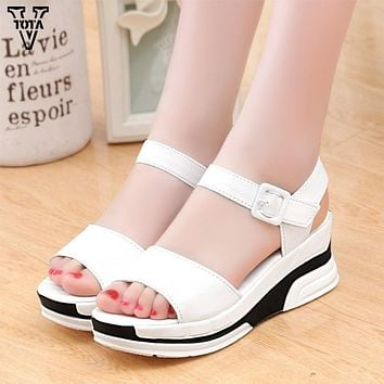 Platform Sandals Women Summer Shoes Soft Leather Casual Open Toe Gladiator wedges Trifle
