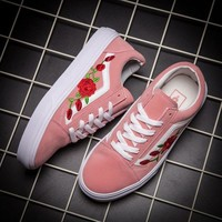 DCCKGV7 Vans Classics Old Skool Rose Floral Embroidered Sneaker Women Casual Shoes
