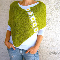 Green Shawl, Womens  Poncho with Daisy Flowers