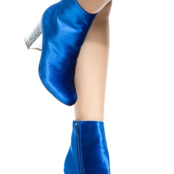 Blue Velvet Chunky Ankle Booties @ Cicihot. Booties spell style, so if you want to show what you're made of, pick up a pair. Have fun experimenting with all we have to offer!