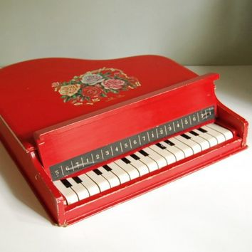 Vintage Toy Baby Grand Piano 18 Keys Made in by calloohcallay