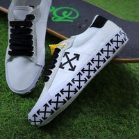 Off White Vulcanised Arrows Sneakers White/black Canvas Shoes - Beauty Ticks