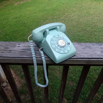 1970s Vintage Rotary Dial Telephone in Pretty Jadite Green by ITT, Bell System, Western Electric, Vintage Phone, 1970s Vintage Technology