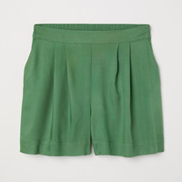 Wide shorts - Green - Ladies | H&M GB