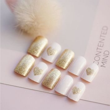24pcs/Set Middle Long Glitter False Nails Gold Heart Pattern Girls Fingernail Decal Artificial Fake Nails with Glue