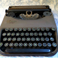 Corona Smith Zephyr 1940's Vintage Typewriter