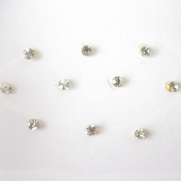 10 Sparkly Silver Clear Rhinestone Stick On Jewels/Silver Small Fake Nose Stud/Fake Nose Ring Bindi Studs/Costumes Jewels/Pumpkin Decoration