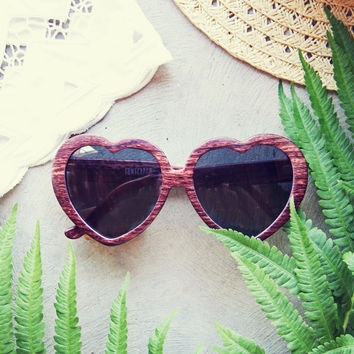 Woodie Heart Sunnies