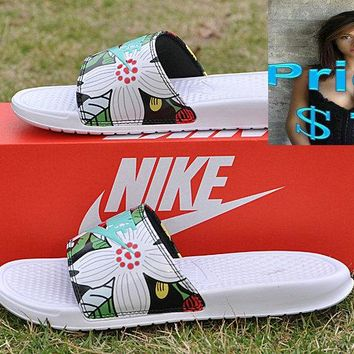 2018 Factory Authentic wms Retail Nike Benassi Print Just Do It  Aloha Sandals white-green sneaker