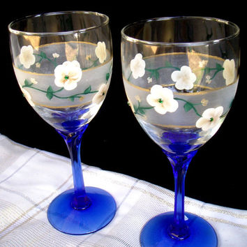 Hand Painted Wine glasses - Cream flowers on a band of frost/gold trim