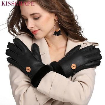2017 Winter Women's Real Sheep Fur Warm Gloves Hand-made Sewing Female Thick Ski Gloves Genuine Sheep Leather Gloves Mittens