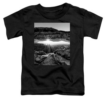Supernatural West - Mesa Arch Sunburst In Black And White - Toddler T-Shirt