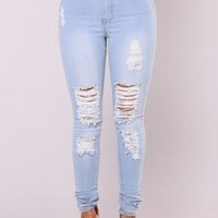 Tempe Distressed Jeans - Light Wash
