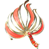 Unsigned 60s Tropical Orange and White Brooch or Pin