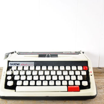 Vintage Brother Activator 850 TR Typewriter // Manual Portable Working