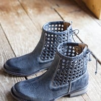 Alps Woven Back Bootie, Charcoal | Sbicca