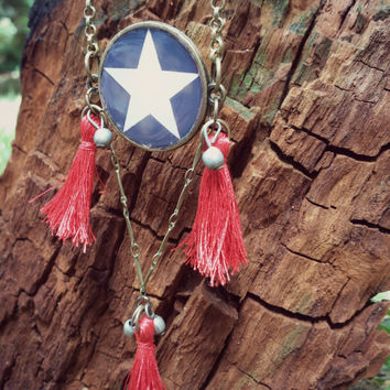 Boho Tassels Necklace. Elegant Hippie Necklace. 4th of july Star Necklace. Brass chain and resin. Handcrafted Jewelry