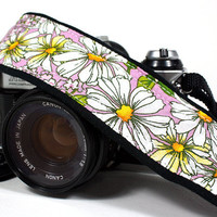 dSLR Camera Strap, with Pocket Daisies, Lilac, Flowers, Padded, Quick connect