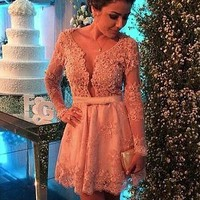 [98.99] Attractive Tulle & Satin Scoop Neckline A-Line Short Cocktail Dresses With Beaded Lace Appliques - dressilyme.com