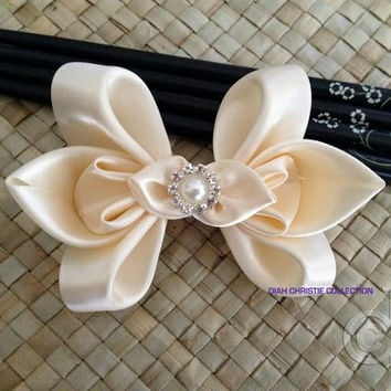 Ivory satin fascinator, butterfly hair clip, bridesmaid hair accessory, flower girl elegant hair bow, bridal head piece