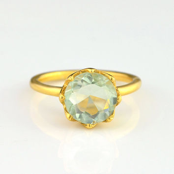 Round green amethyst ring - flower ring, gemstone gold ring, prong set ring,  February Birthstone ring, gold ring, princess ring for her