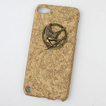hunger games mockingjay And Yellow wood grain Hard Case Cover for Apple Ipod Touch 5, iPod Touch 5th,iTouch 5,iPod Touch 5