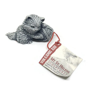 Mt St Helens Sculptures Pussy Cat with Yarn Ball Volcanic Ash Figurine