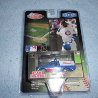 Chicago Cubs 1999 MLB Diecast 1:64 Scale Ford F-150 Pickup Truck with Sammy Sosa Fleer Card Baseball Team White Rose Collectible