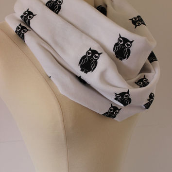 Owl Black white Infinity Scarf - Hearts - Handmade Circle Scarf - Cotton Sweatshirt Knit Loop Scarf - Chunky