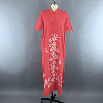 Vintage 1960s Caftan Dress / 60s Kaftan Maxi Dress / Bette of Jamaica / Coral Pink Butterfly Batik Tie Dye / Festival Loungewear / Size L XL