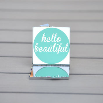 Small gift | Hello beautiful | Customizable compact mirror perfect for you, your bridesmaids or your girl friends
