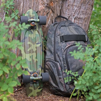 Dakine Atlas 25L Peat Camo Backpack