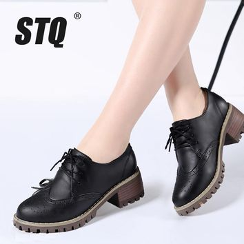 STQ 2017 Autumn women oxfords shoes women brogue high heel boat shoes lace up pointed toe Creepers black pumps 982