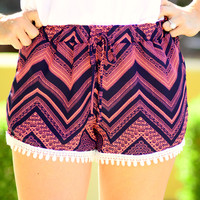 RESORT BOUND CHEVRON SHORTS IN NAVY/PINK
