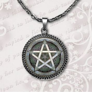 2017 New Personality Pentagram Wicca Pendant Necklace Occult Charm Zinc Alloy Glass Photo Jewelry Silver Pendants Necklaces