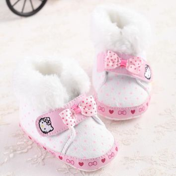 Latest Bebe Snowfield Booties Keep Warm Thick Cotton Polka Dot Boots Hello Kitty First Walker Shoes Baby Girls Winter Snow Booty