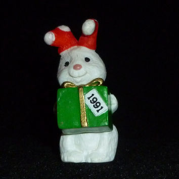 Hallmark Merry Miniature Christmas Bunny Rabbit With Present Figurine