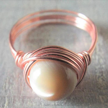 Shell Ring, Rose Gold Ring, Wire Wrapped Ring, Shell Jewelry, Beige Ring, Beach Jewelry, Ring for Best Friend, Ring for Girlfriend, Cute