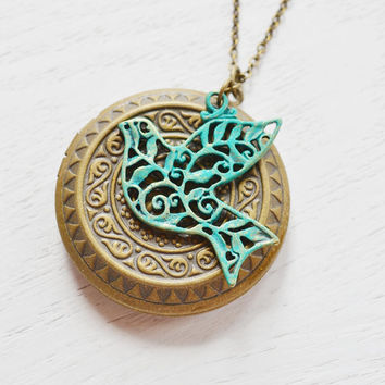 Bird locket necklace,vintage style locket jewelry,bird necklace,blue bird locket,photo locket,bird jewelry,sparrow locket,bridesmaid gift