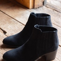 Topanga Chelsea Boot, Black