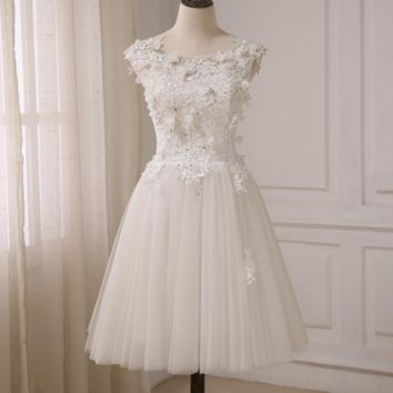 New Short Wedding Dresses Cap Sleeve Beaded Lace Tulle A-line Bridal Gowns with Lace-up Back